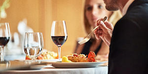 Oceania Wine Tasting Experience (Photo: Oceania Cruises)
