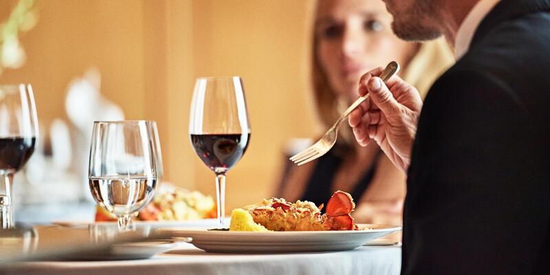Oceania Wine Tasting Experience (Photo: Oceania Cruises)