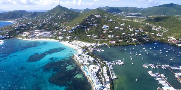 Dawn Beach, St. Maarten (Photo: Multiverse/Shutterstock)