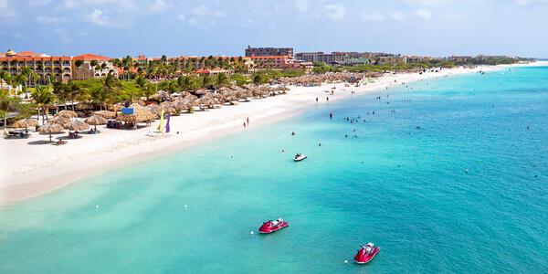 Eagle Beach, Oranjestad, Aruba (Photo: Steve Photography/Shutterstock)