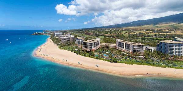 Ka'anapali Beach, Lahaina, Maui (Photo: Joe West/Shutterstock)