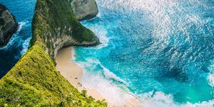 Kelingking Beach, Bali, Indonesia (Photo: Igor Tichonow/Shutterstock)