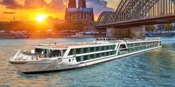 Rendering of Amadeus Imperial in Cologne during sunset