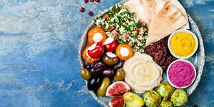 Middle Eastern Meze Platter (Photo: zarzamora/Shutterstock)