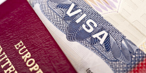 Travel Visa (Photo: vanhurck/Shutterstock)