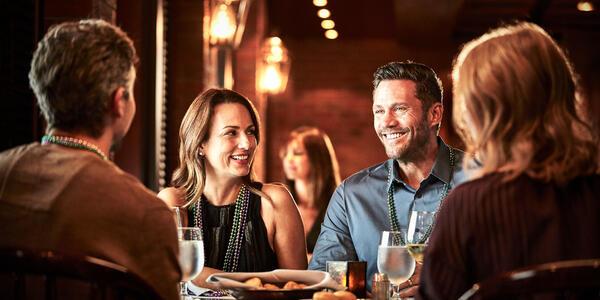 Friends at Dinner on Coral Princess (Photo: Princess Cruises)