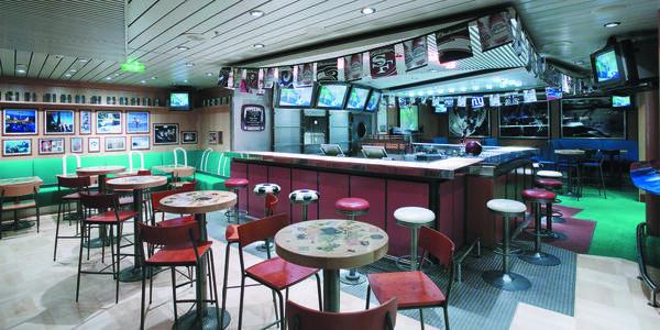 Explorer WeekendWarrior Bar (Photo: Royal Caribbean International)