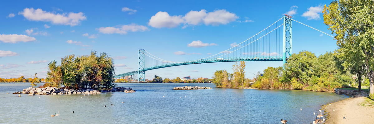 Ambassador Bridge Crossing from Windsor, Ontario Canada to Detroit, Michigan (Photo: Simply Photos/Shutterstock)