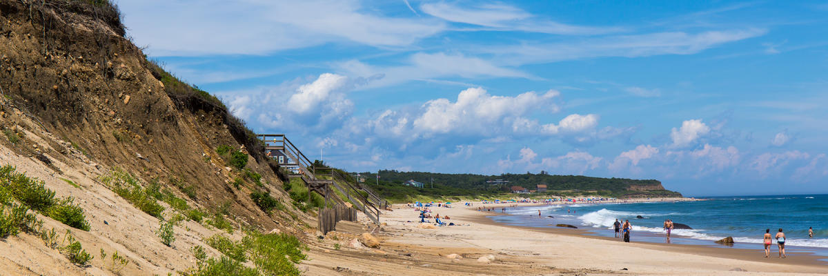 Tourists enjoying the beaches and cliffs of Block Island (Photo: Justin Starr Photography/Shutterstock.com)