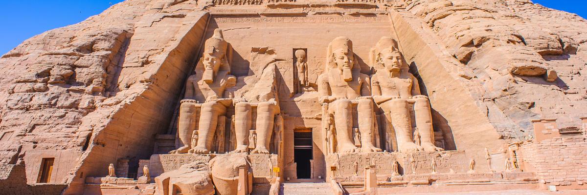 Entrance to the Abu Simbel temple complex (Photo: Anton_Ivanov/Shutterstock.com)