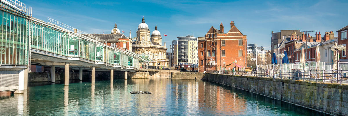 Historic Buildings and a Bridge Over Water in Hull, United Kingdom (Photo: Karl Everett/Shutterstock)