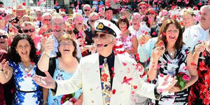 The Love Boat Captain Gavin MacLeod surrounded by fans on a Princess Cruise (Photo: Princess Cruises)