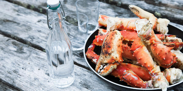 King Crab Dinner (Photo: View57/Shutterstock)