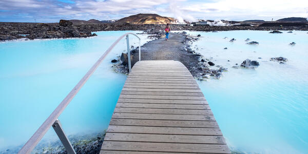 The Blue Lagoon Geothermal Spa, is one of the Most Visited Attractions in Iceland (Photo: Puripat Lertpunyaroj/Shutterstock)