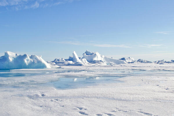 Panorama of the North Pole (Photo: Christopher Wood/Shutterstock)