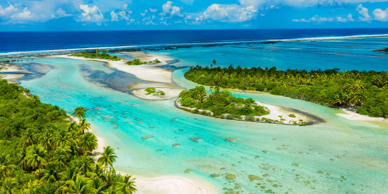 Atoll Island Motu and Coral Reef in French Polynesia, Tahiti (Photo: Maridav/Shutterstock)
