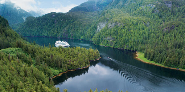 Seabourn Sojourn Cruising in the Misty Fjords of Alaska (Photo: Seabourn Cruise Line)