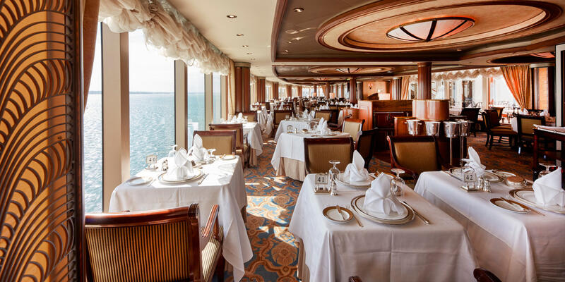 The Queens Grill Restaurant on Queen Victoria (Photo: Cunard)