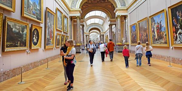 Louvre Museum in Paris, France (Photo: irisphoto1/Shutterstock)