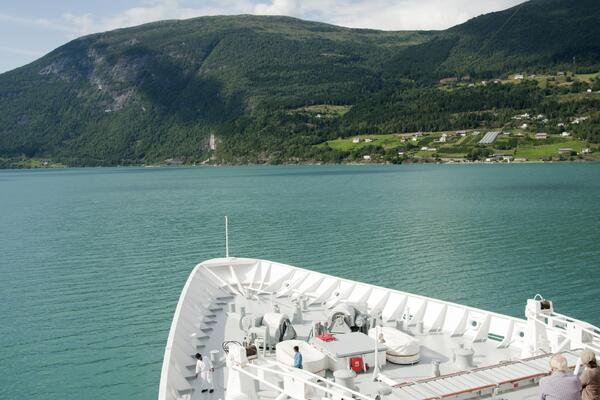 Passengers looking on the horizon from Black Watch in Olden, Norway (Photo: Fred. Olsen Cruise Lines)