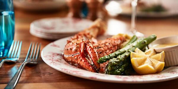 Crab With Asparagus, North Fork Restaurant - Mt. McKinley Princess Wilderness Lodge (Photo: Princess Cruises)