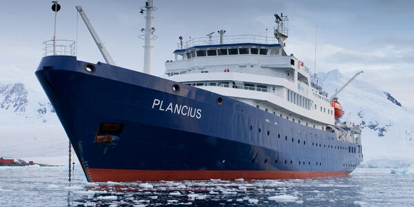 M/V Plancius (Photo: Oceanwide Expeditions)