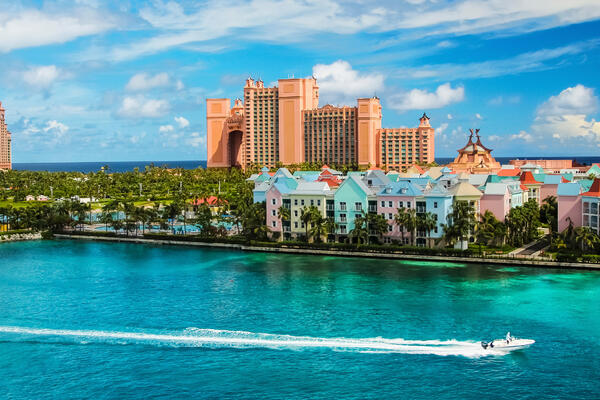 Nassau, Bahamas (Photo: Stefan Ugljevarevic/Shutterstock)