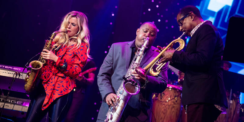 Najee and Candy Dulfer performing on The Smooth Jazz Cruise