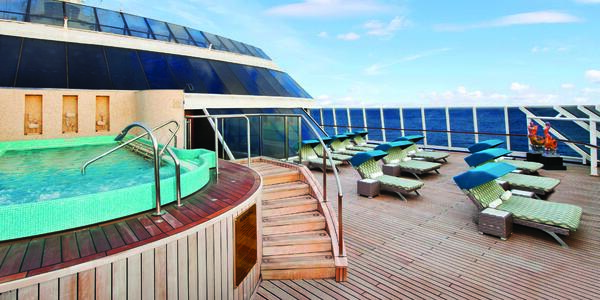 The outdoor pool and sun deck at the Aquamar Spa on Oceania Cruises