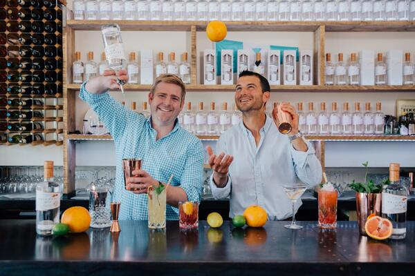 Salcombe Gin pouring gin