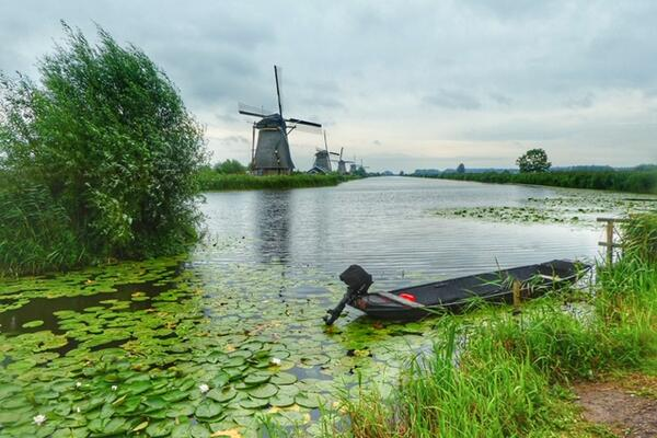 Kinderdijk, on a Rhone River cruise (photo by Larry Bleiberg)