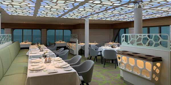 Dining on Hanseatic Inspiration (Photo: Kim Foley MacKinnon/Cruise Critic)