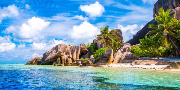 The famous beach, Source d'Argent at La Digue Island, Seychelles (Photo: Zoltan.Benyei/Shutterstock)
