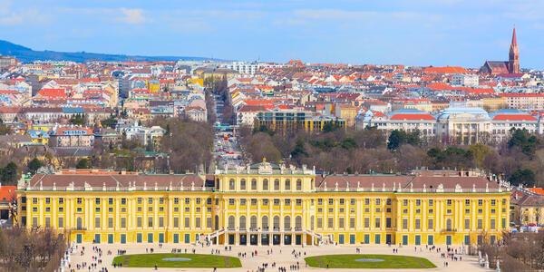 Schonbrunn Palace, Vienna (photo by Shutterstock)
