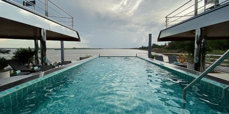Shot of the aft infinity pool on Emerald Harmony