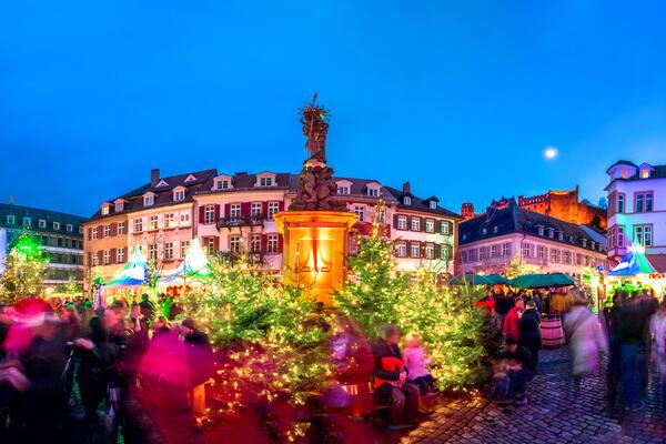 Christmas market in Heidelberg, Germany (Photo: LaMiaFotografia/Shuterstock)