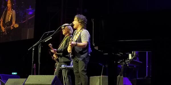 Rock and Roll Hall of Famers Daryl Hall and John Oates performed onboard Symphony of the Seas (Photo: Colleen McDaniel/Cruise Critic)
