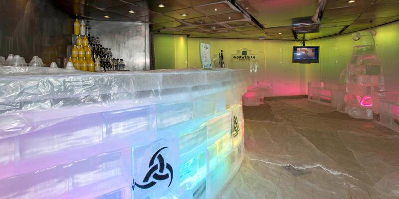 Svedka Ice Bar on Norwegian Epic (Photo: Cruise Critic)