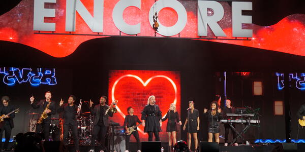 Kelly Clarkson, the godmother of Norwegian Encore, performing at the christening of Norwegian Encore in Miami, Florida on Nov. 21, 2019 (Photo: Erica Silverstein)