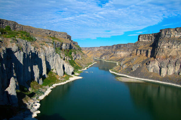 The Snake River as it flows just east of Twin Falls, Idaho (Photo: Martha Marks/Shutterstock)