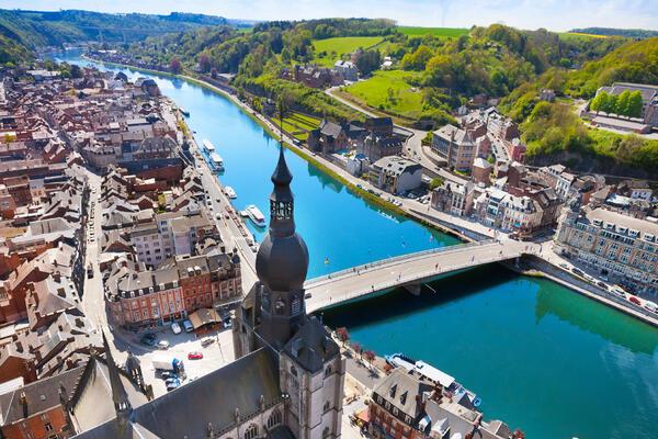 The top view of Pont Charles de Gaulle bridge over Meuse River in Dinant, Belgium (Photo: Sergey Novikov/Shutterstock)