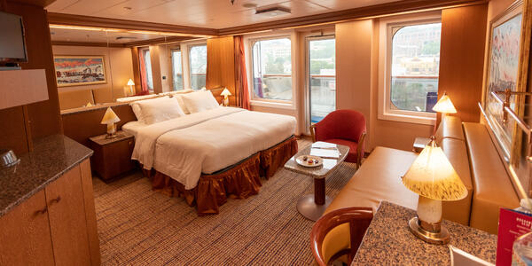 Carnival Splendor suite (Photo: Tim Faircloth)