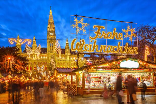 Christmas Market cruises on the Danube (photo by Shutterstock)