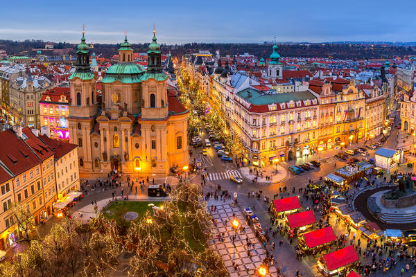 Christmas market in Prague (Photo: Rostislav Glinsky/Shutterstock.com)