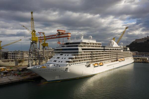 seven seas explorer in shipyard