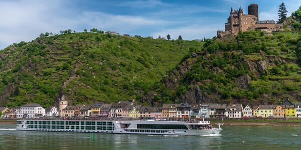 Royal Emerald (Photo: Teeming River Cruises)