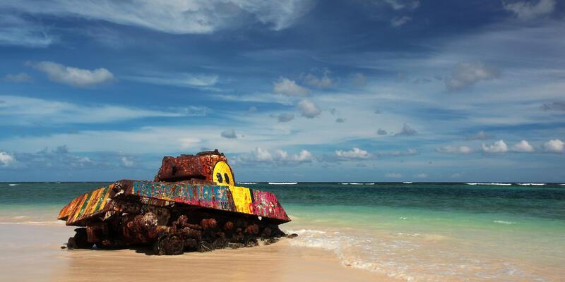 A rusted tank at Flamenco Beach on Culebra Island, Puerto Rico (Photo:christianthiel/Shutterstock)