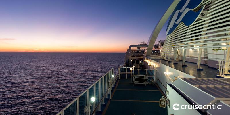 Zoom Background: Sun Deck on Emerald Princess (Photo: Cruise Critic)