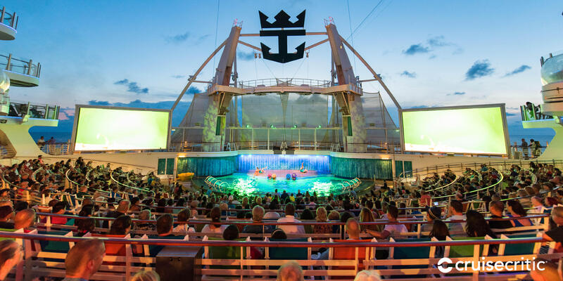 Zoom Background: The AquaTheater on Oasis of the Seas (Photo: Cruise Critic)