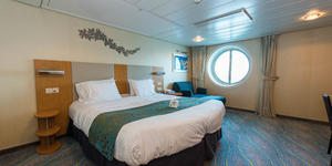 The Accessible Cabin with Porthole on Oasis of the Seas (Photo: Cruise Critic)